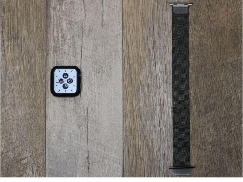 Apple Watch Series6と同時に発売されたグラファイトカラーのミラネーゼ