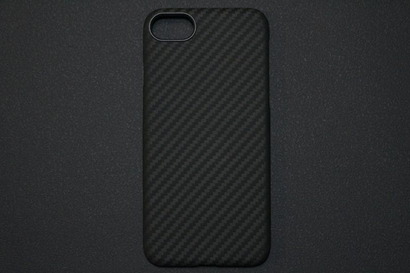 iPhone SE2(2020)用のPITAKA MagEZ Caseの本体外観