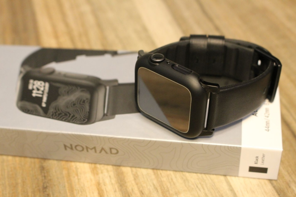 Apple Watchノマドバンド『NOMAD Active Strap』箱と本体