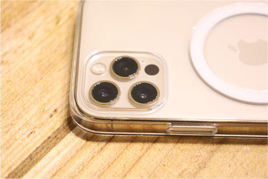iPhone12Proクリアケースカメラ周り