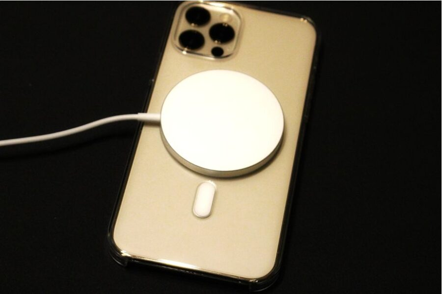 iphone12proと純正クリアケースにマグセーフをつけて充電スピードを確認した