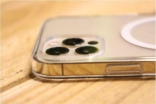 iPhone12Proクリアケース カメラ周り横から