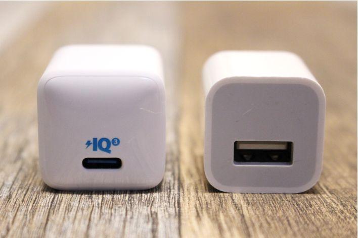 Anker PowerPortⅢ Nano 20Wの本体はiPhone純正充電器とサイズ感は同じ