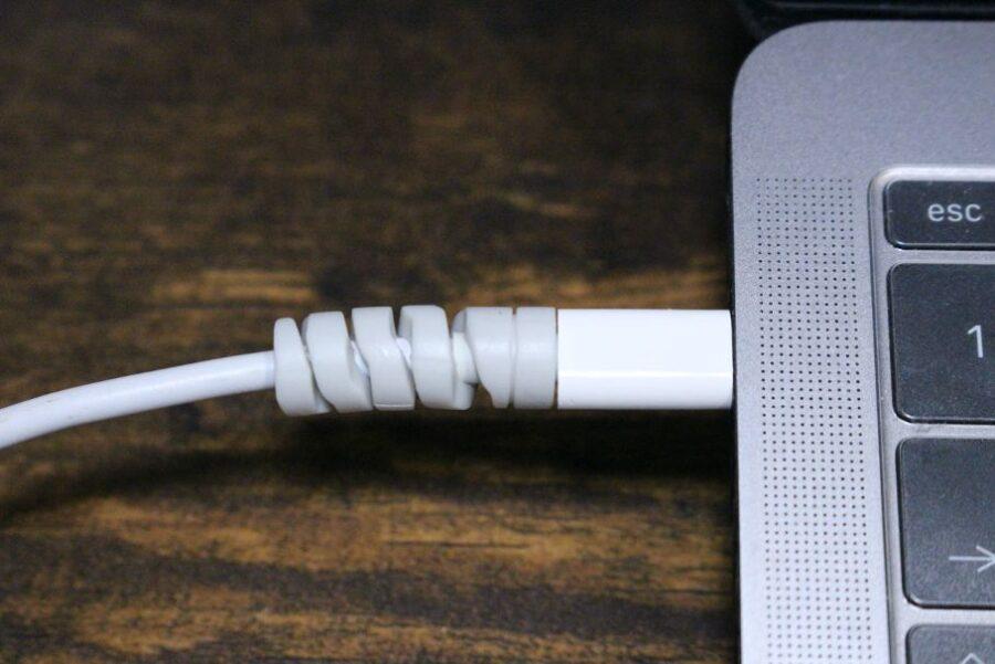 iPhone12シリーズ(無印・mini・Pro:Max)のApple MagSafe充電器コードを断線ガード2