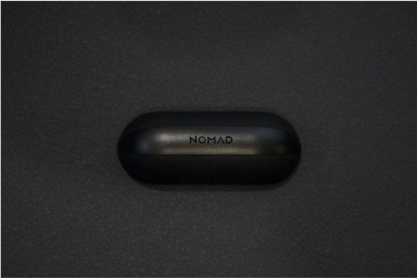 NOMAD Adventure Ready AirPods Proのケース上部