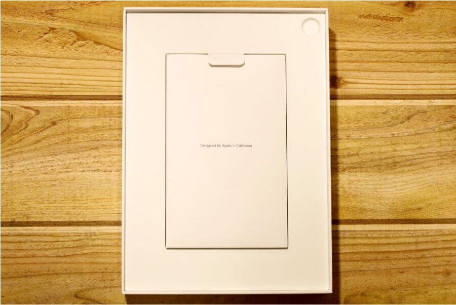 iPad Air 4(2020)外箱蓋開けた状態