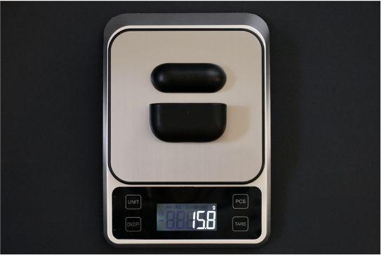 AirPods ProレザーケースのNOMAD Rugged Caseのの重量