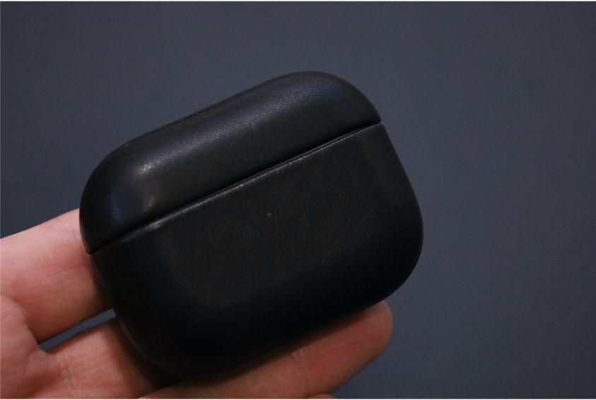 NOMAD Rugged Case AirPods Proを装着後