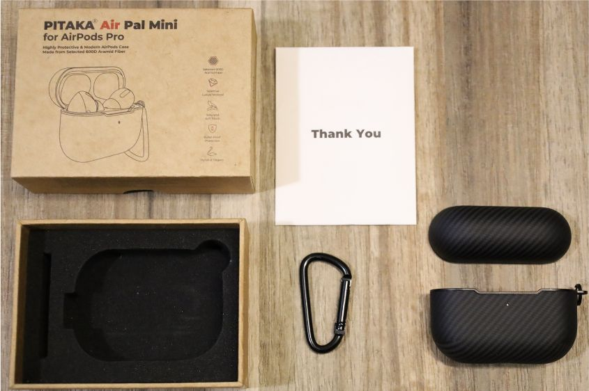 PITAKA Air Pal Mini for AirPods Proケースの内容物