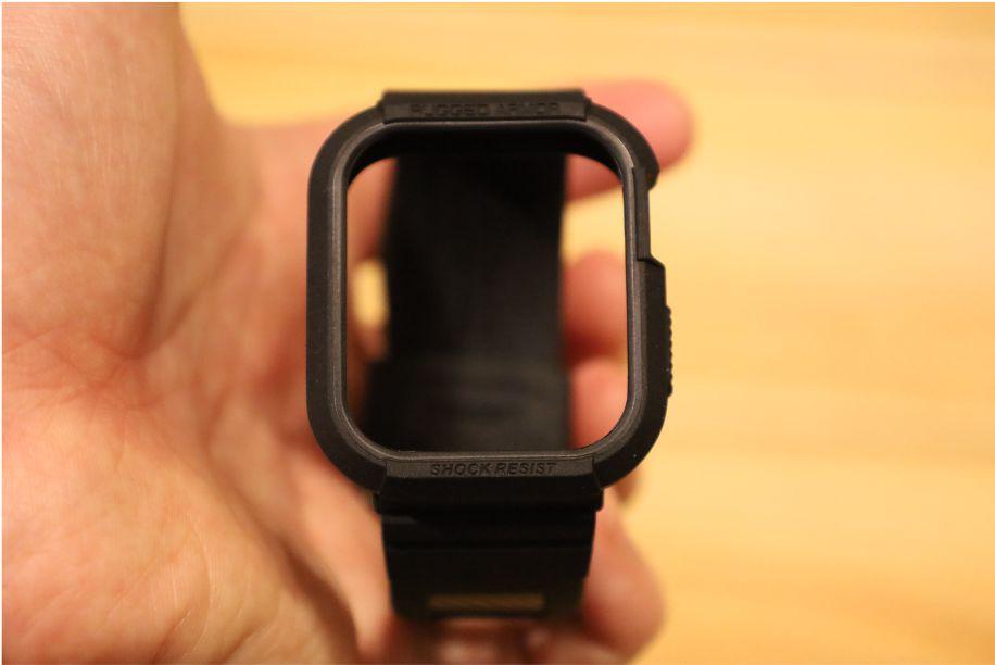SpigenのApple Watch用ラギッドアーマーケース本体外観全体