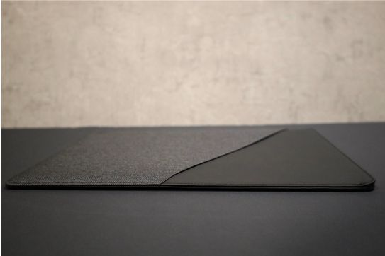 NATIVE UNION Stow Slim Sleeve MacBook Air-Pro用の充電器入れる前