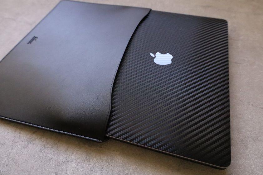 エレコムMacBook Air:Pro用のレザースリーブのPCを出すのも難しくない
