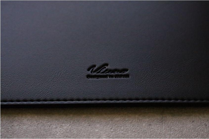 エレコムMacBook Air:Pro用のレザースリーブの体外観デザイン表面ロゴ