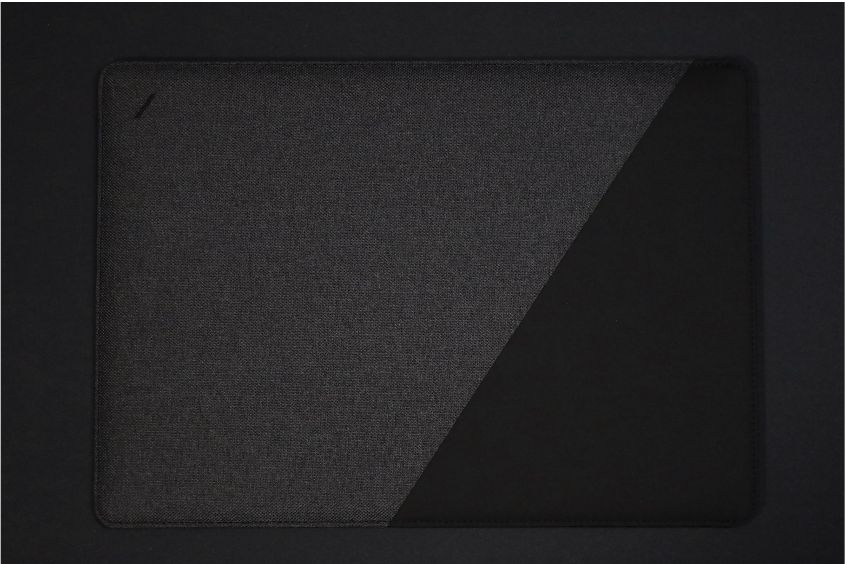 NATIVE UNION Stow Slim Sleeve MacBook Air:Pro用の本体デザイン