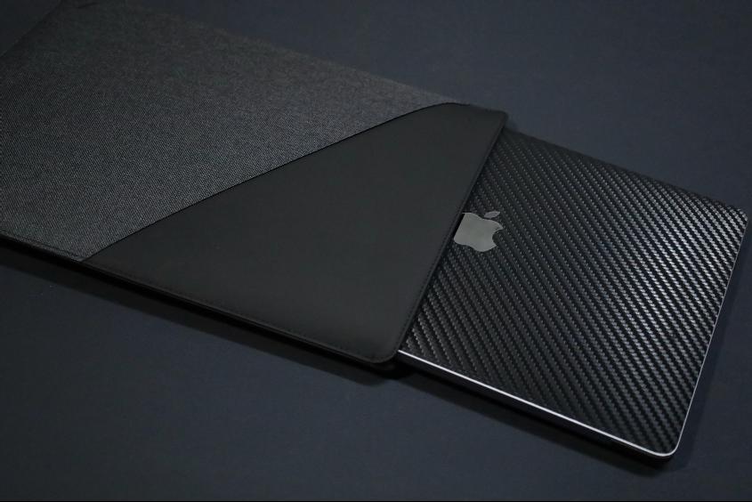 NATIVE UNION Stow Slim Sleeve MacBook Air:Pro用にPCいれるところ