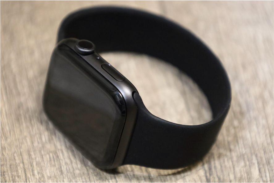『FRESHCLOUD』ソロループ Apple Watchバンドを着用ループを通した