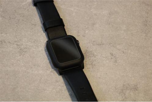 AMOVOのApple Watch用の全面保護ケース2