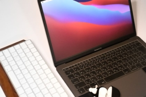 MacBook Air・Proのフィルムは必要?いらない?実体験を元にフィルムの必要性を解説