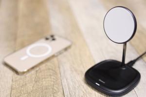 Baseus MagSafe充電スタンド レビュー|最大15WでiPhoneをワイヤレス充電のアイキャッチ