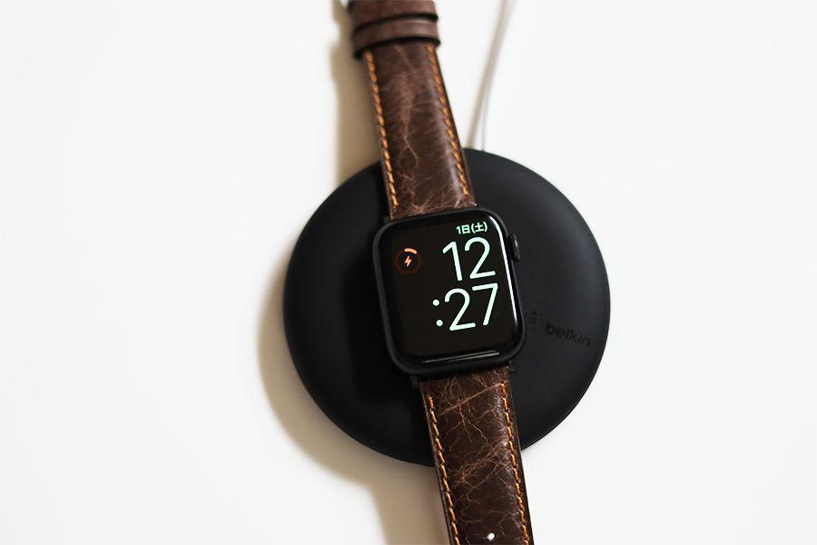 Belkin Apple Watch充電スタンド F8J218BT-AはApple Watchのバンド形状を選べる