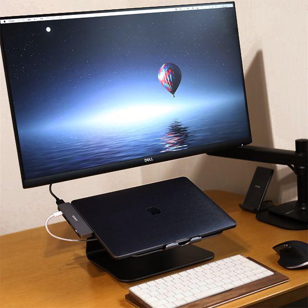 MacBook/ノートPCスタンドを導入することにより、スペースの有効活用が可能になる