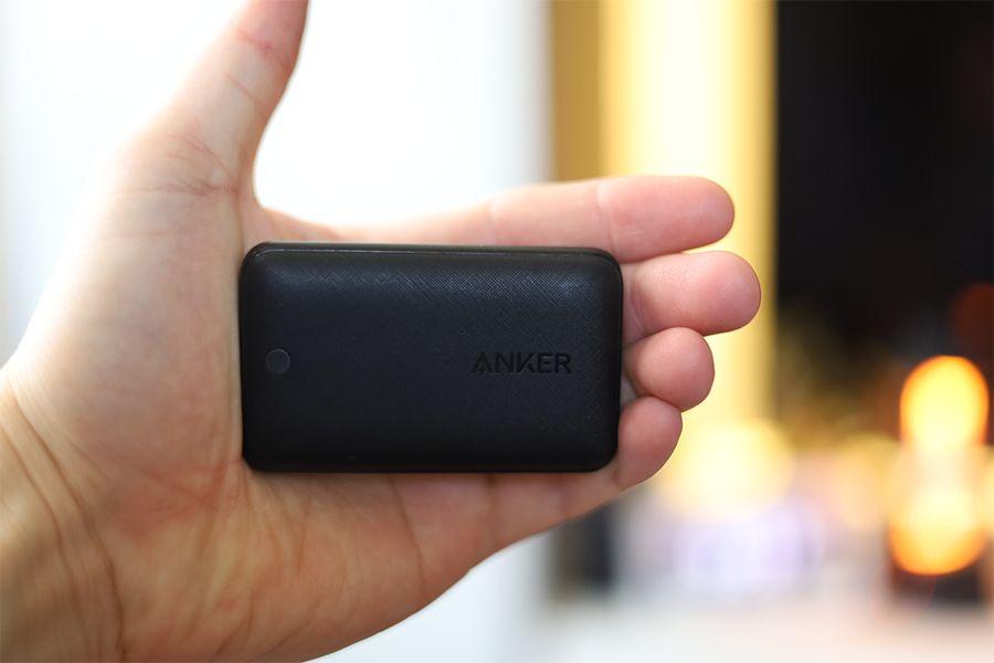 Anker PowerPort Atom Ⅲ Slim30Wは手のひらフリスクサイズ