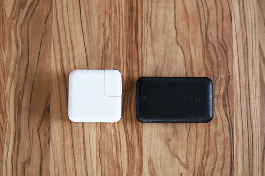 Anker PowerPort Atom Ⅲ 45W SlimとApple30W充電器と比較