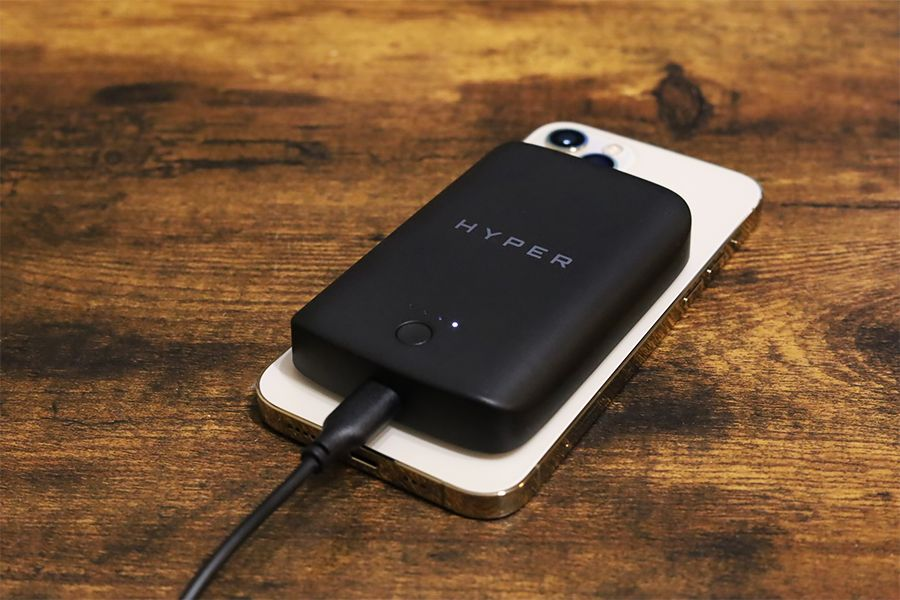 HyperJuice Magnetic Wireless Battery Packはパスルー充電対応