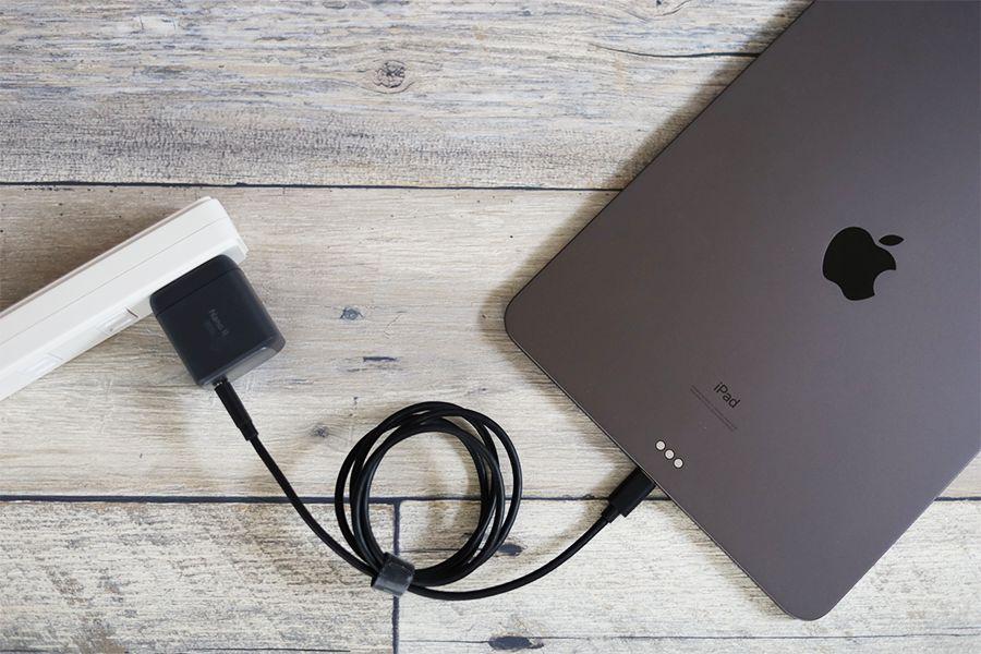 Anker Nano Ⅱ 45W『出力45W』でiPadを充電して45Wで充電可能