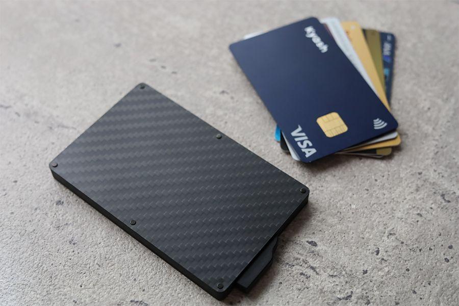 Zeprion クレカスキミング防止のスライド式ケースはクレジットカード5枚保管可能