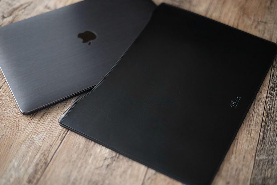 エレコムレザーのMacBookケース