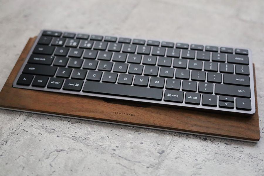Satechi Slim X1 Bluetooth Backlit KeyboardはGROVEMADEが入らない