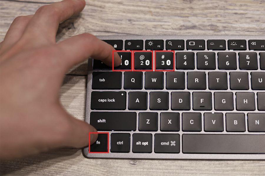 Satechi Slim X1 Bluetooth Backlit Keyboardは3台登録できる