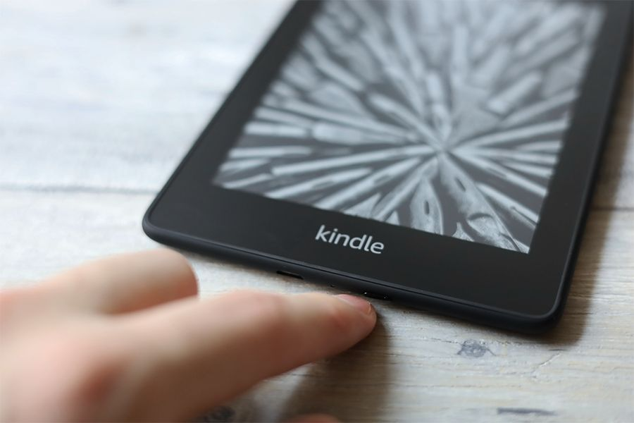 Kindle Paperwhiteは電源ボタンを押してスリープオンオフになる