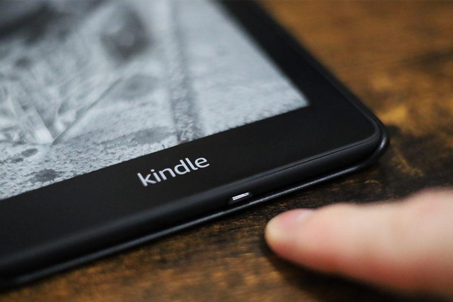 Kindle Paperwhiteは電源ボタンを押すだけで即起動して読書できる