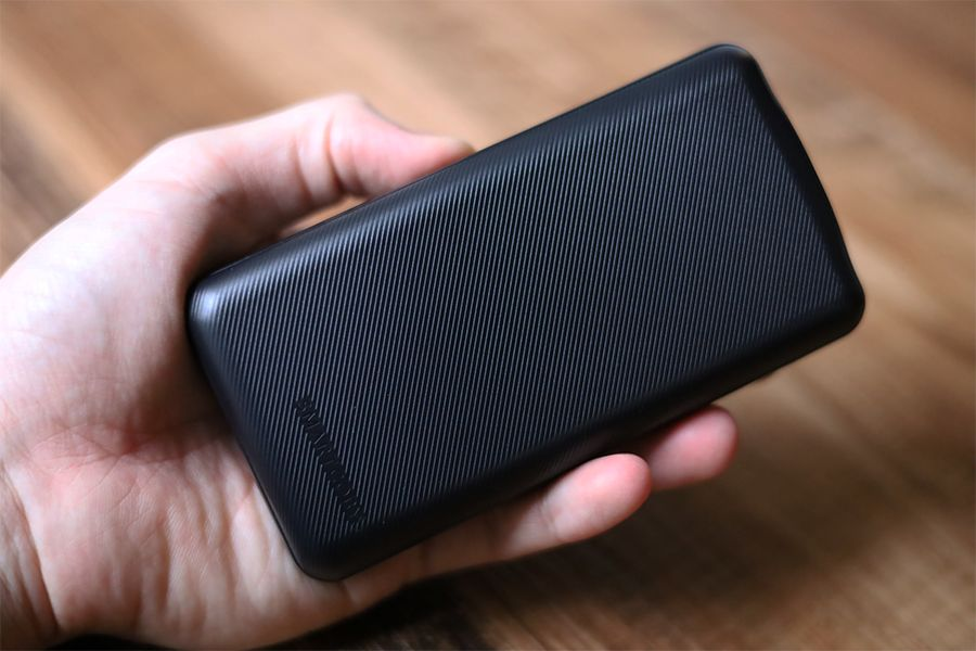 SMARTCOBY 20000mAh 60Wは手に収まるサイズ感