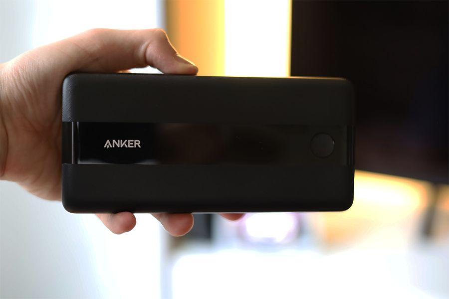 Anker PowerCore III 19200 60Wのサイズ感