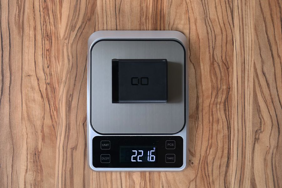 CIO LilNob USB PD 4ポート100W【G100W3C1A】の重量は221g