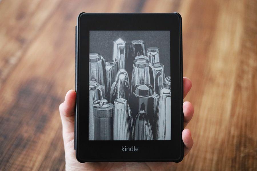Kindle Paperwhiteはケースをつけても折って楽しめる
