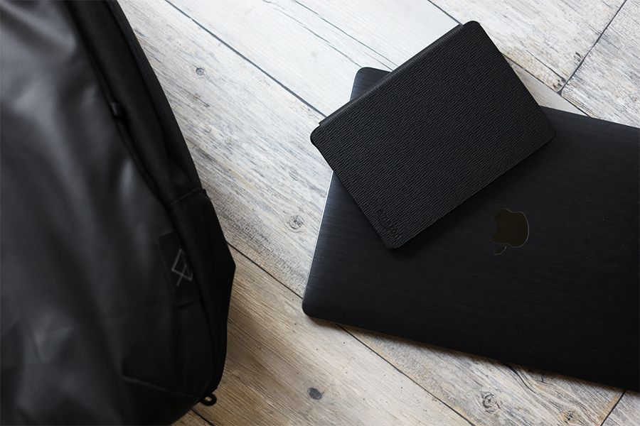 Kindle Paperwhite純正レザーケース:カバーをつけるとかっこよく決まる