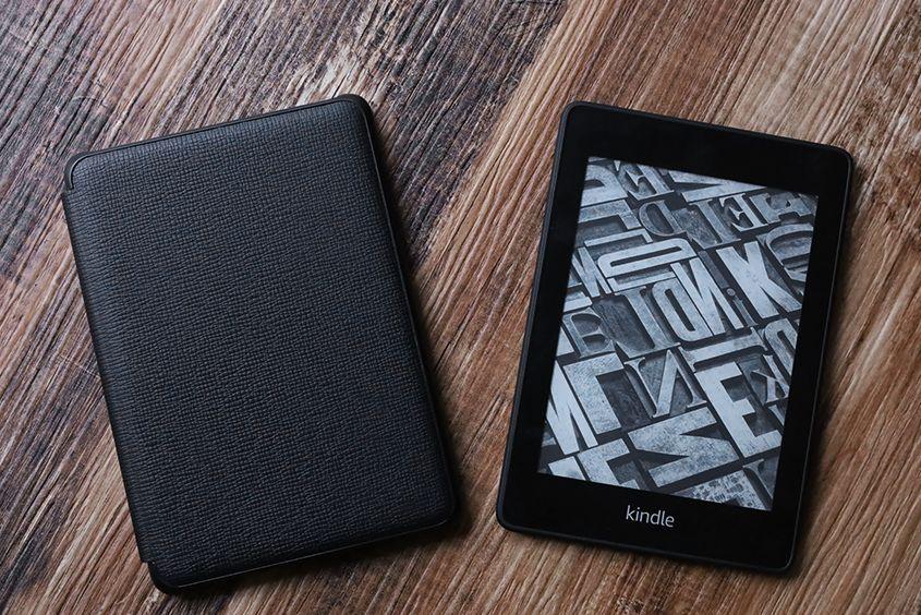 Kindle Paperwhite純正レザーケース:カバーレビュー ファブリック素材と比較ありサードパーティは微妙?