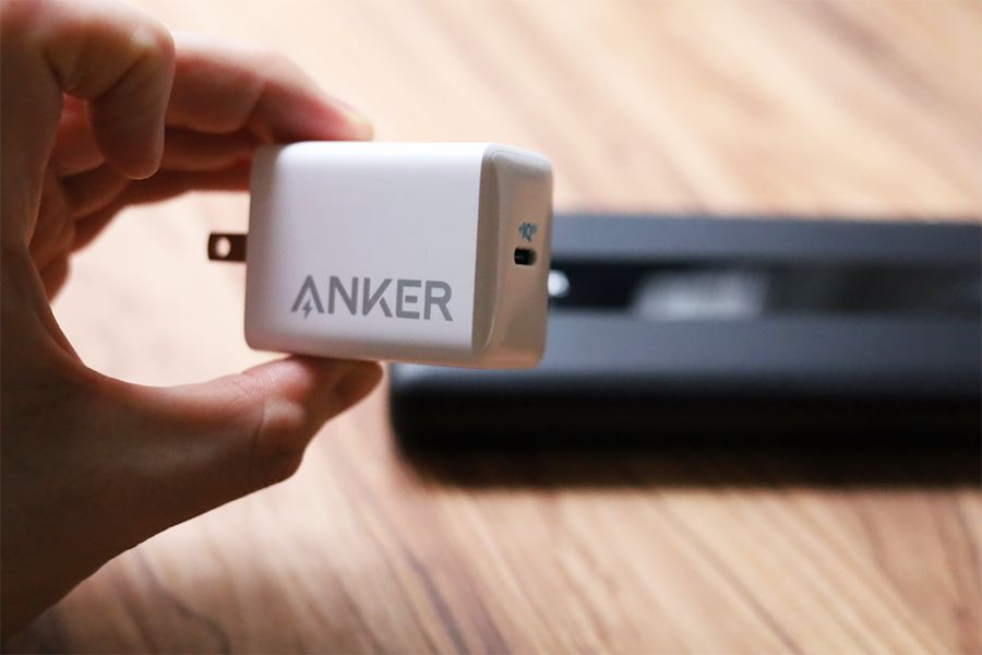Anker PowerCore III 19200 60Wを同じAnkerの60W充電器 Pod Liteで充電する