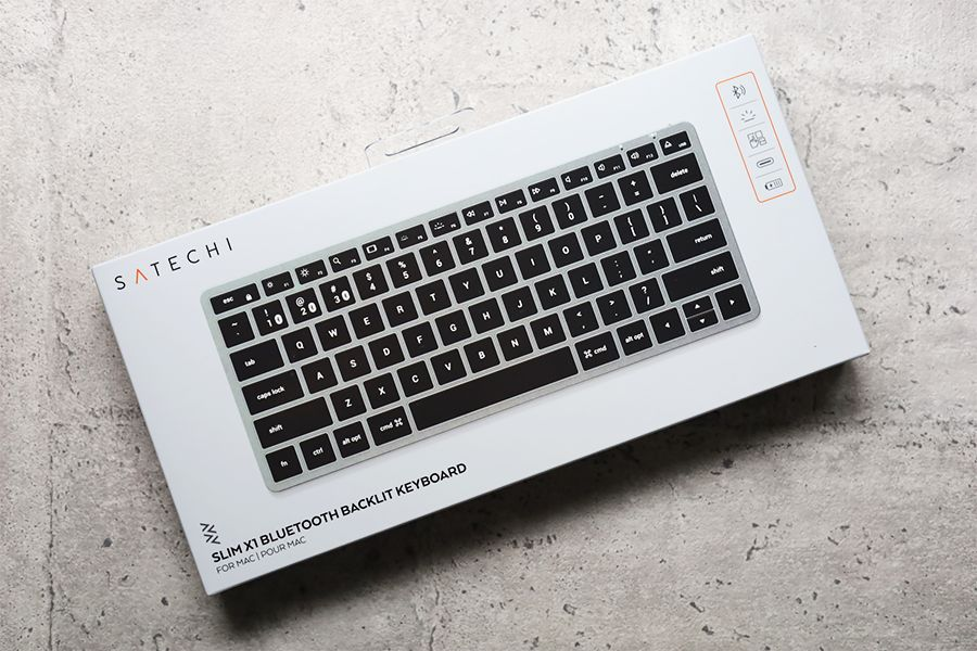 Satechi Slim X1 Bluetooth Backlit Keyboardの外箱表面