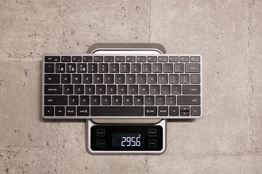 Satechi Slim X1 Bluetooth Backlit Keyboardの実測の重量は295g