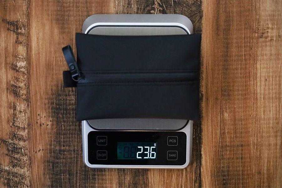 アソボーゼ TOFTPOUCH(タフトポーチ)の重量は23.6g