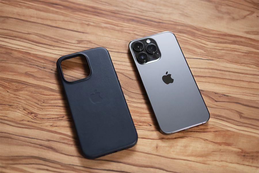 iPhone 13 Proと純正レザーケースの確認
