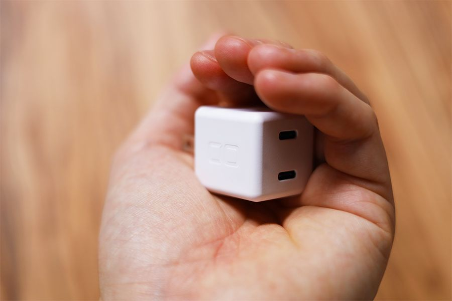 CIO-PD20Wは手のひらで握り込めるサイズ