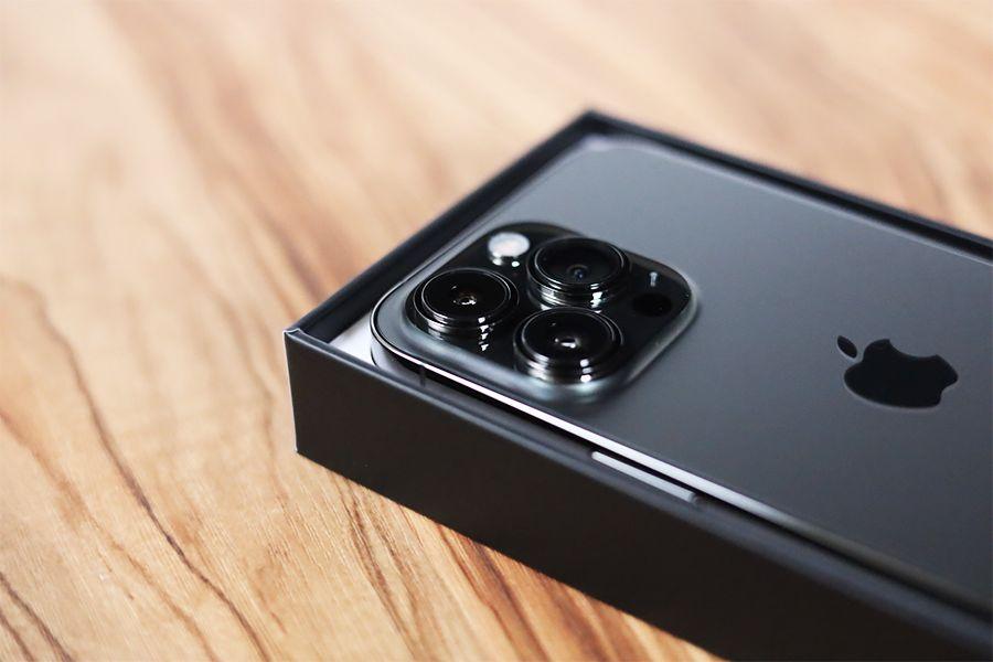 iPhone13Proのカメラの出っ張りがすごい
