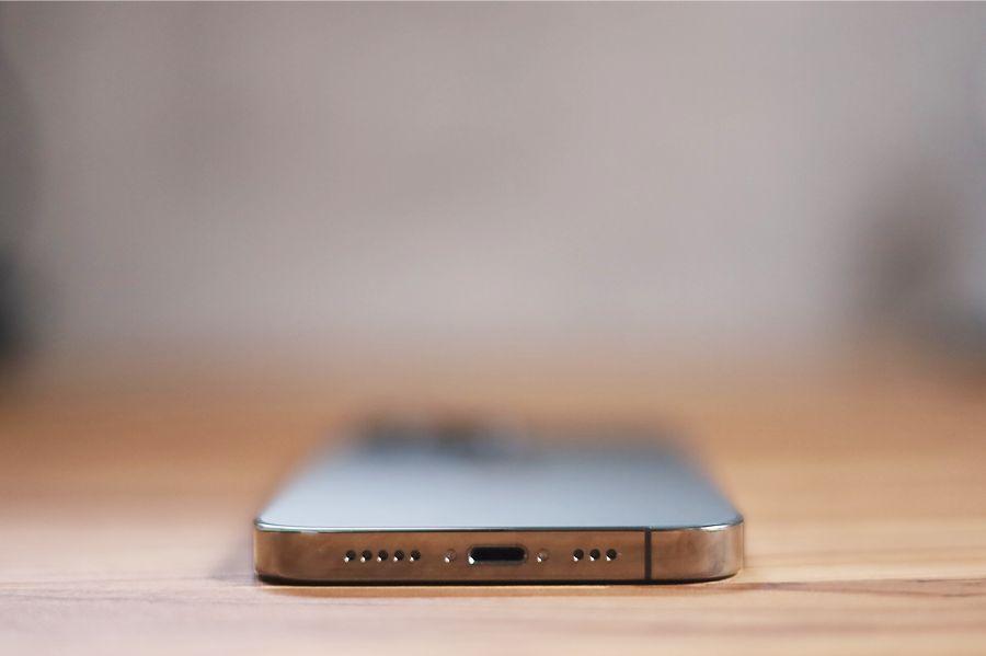 iPhone 13 Proの端子はLightning継続