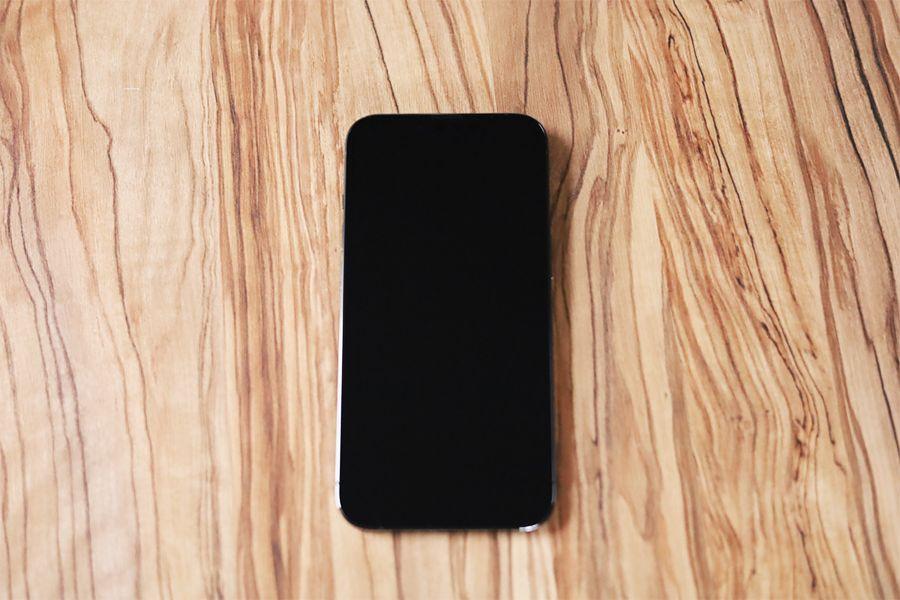 iPhone13Proのディスプレイ